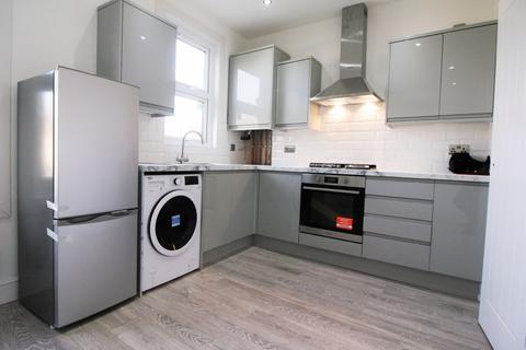 2 bedroom maisonette to rent - Moyers Road, Leyton E10