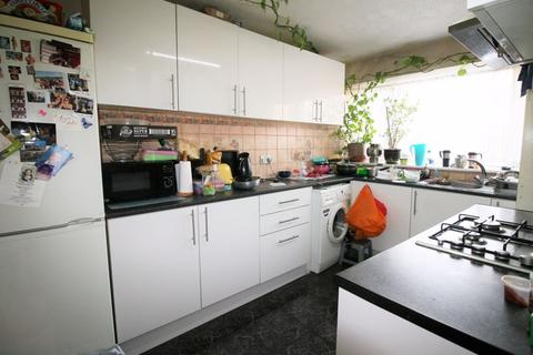 2 bedroom maisonette to rent - Highfield Link, COLLIER ROW