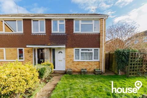 3 bedroom semi-detached house for sale - Barler Place, Queenborough