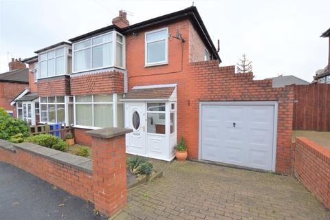 3 bedroom semi-detached house for sale - Wilshaw Grove, Ashton-Under-Lyne