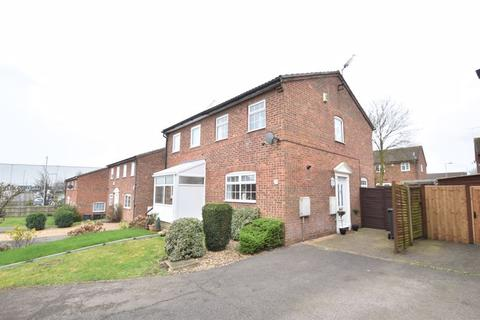 2 bedroom semi-detached house for sale - Lindsay Road, Luton
