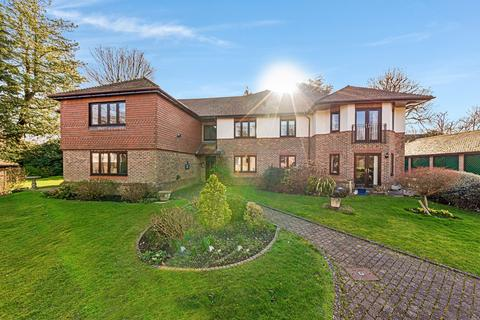 2 bedroom apartment for sale - Milstead Close, Tadworth, KT20