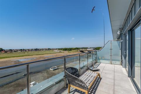 4 bedroom end of terrace house for sale - Oyster Quay, SHOREHAM-BY-SEA,
