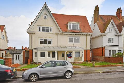 2 bedroom flat for sale - Grimston Gardens, FOLKESTONE, CT20
