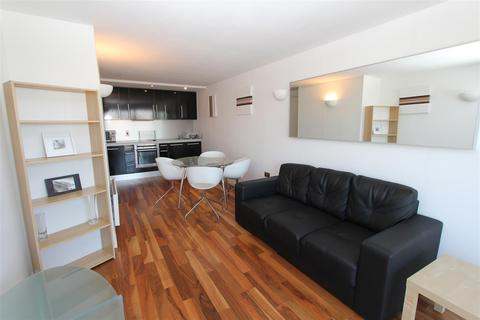 2 bedroom flat to rent - Whitehall Waterfront, Riverside Way
