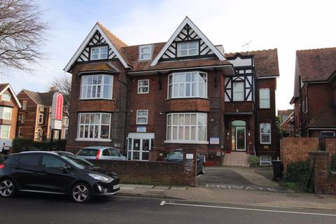 Studio to rent - Festing Road, Southsea