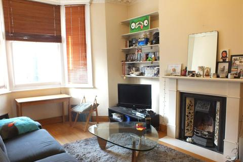 2 bedroom flat to rent - Rona Road, London