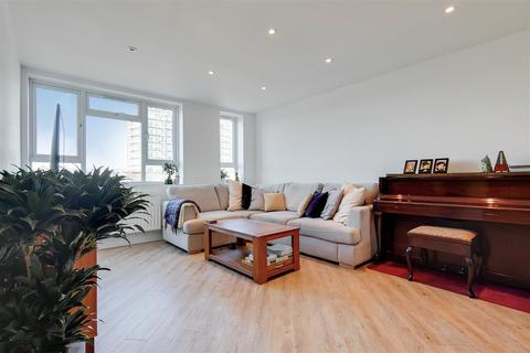 2 bedroom flat for sale - Lincoln Court, London Road, Enfield Town