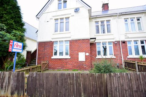 3 bedroom flat to rent - Jenner Road, Barry