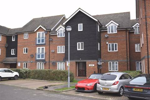 2 bedroom flat to rent - Mandeville Court, Chingford E4, London, E4