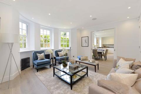 3 bedroom flat for sale - Avenue Lodge, London, NW8