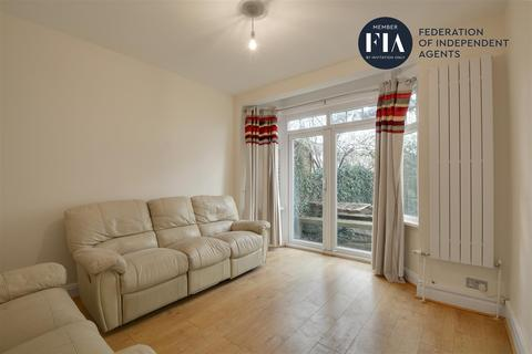 3 bedroom semi-detached house - Argyle Road, Ealing