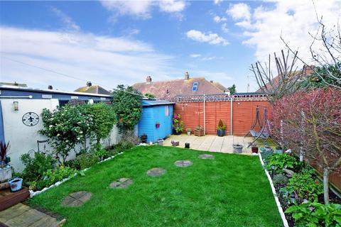 2 bedroom bungalow for sale - Cliftonville Avenue, Ramsgate, Kent