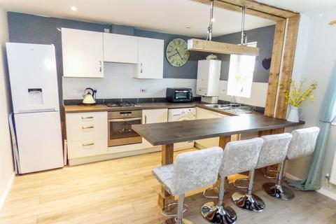2 bedroom flat for sale - Ovett Gardens, Gateshead, Tyne and Wear, NE8 3JH