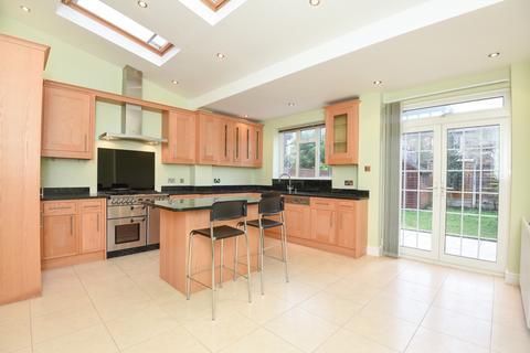 5 bedroom house to rent - Elborough Street Southfields SW18