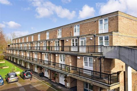 2 bedroom maisonette for sale - Hulverston Close, South Sutton, Surrey
