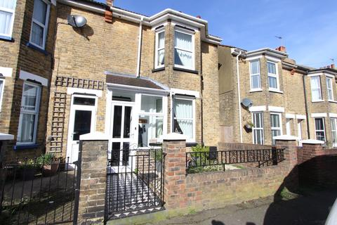 3 bedroom end of terrace house for sale - Downs Road, Walmer, CT14