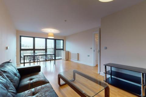 3 bedroom apartment for sale - Leven Road, London, E14