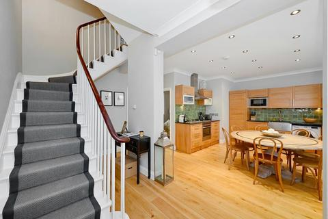 3 bedroom terraced house to rent - Eaton Mews South Belgravia SW1W