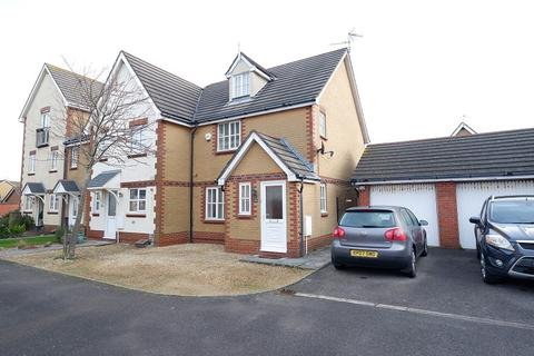 3 bedroom end of terrace house for sale - 29 Gwalch Y Penwaig, Barry Island, Vale of Glamorgan. CF62 5AG