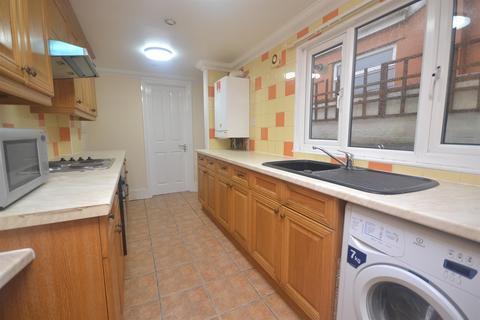 2 bedroom terraced house to rent - Clarendon, RG6 1PB