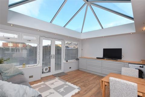3 bedroom terraced house for sale - Wembley Avenue, Lancing, West Sussex, BN15