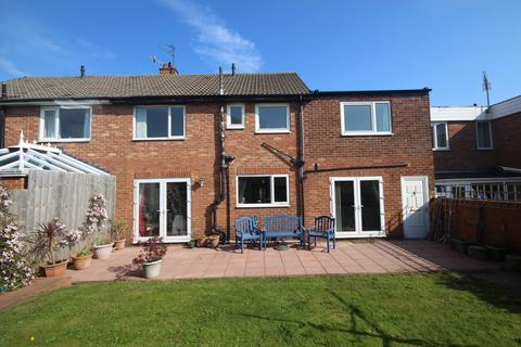 4 bedroom semi-detached house for sale - Woodburn Drive, Whitley Lodge, Whitley Bay, NE26  3HS
