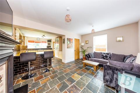 4 bedroom semi-detached house for sale - Champion Road, Upminster, RM14