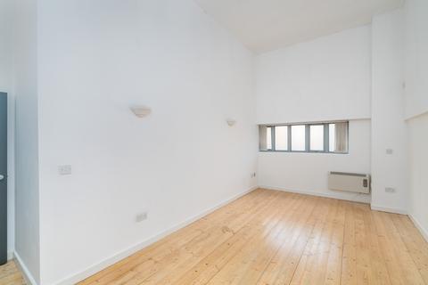 2 bedroom flat to rent - 12 Somerford Grove, London N16