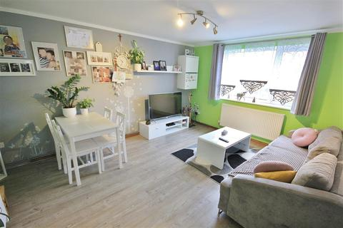 2 bedroom apartment for sale - Slepe Crescent, Parkstone, Poole