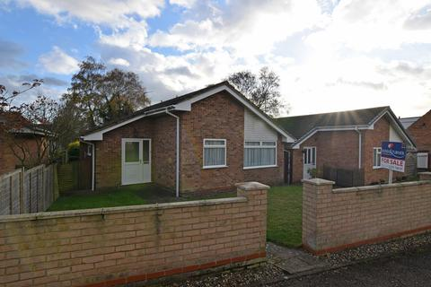 2 bedroom detached bungalow for sale - Fenland Road, King's Lynn