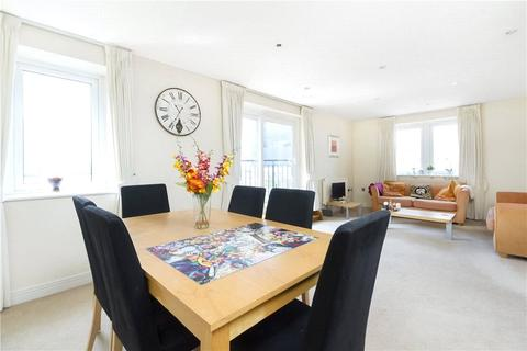 2 bedroom apartment to rent - Wingfield Court, Newport Avenue, Canary Wharf, London, E14
