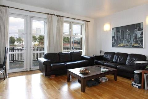 2 bedroom apartment to rent - Arden Crescent, London, E14