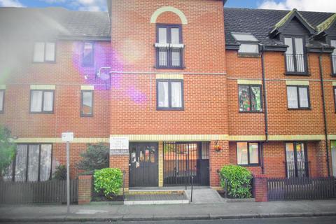 2 bedroom apartment for sale - Golding Court, Rivendene Road, IIford, IG1 2EN