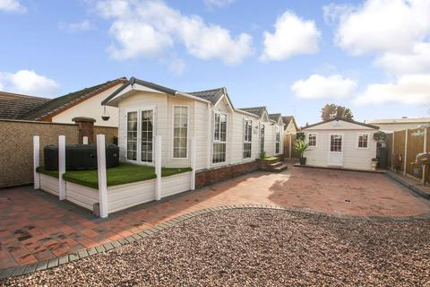 2 bedroom mobile home for sale - Fifth Avenue, Talacre