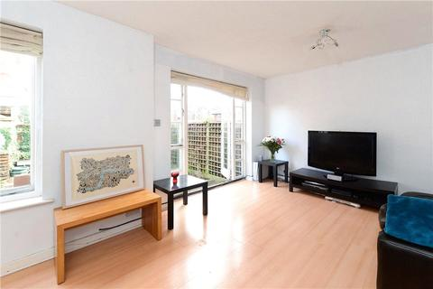 2 bedroom semi-detached house to rent - Gloucester Square, Hackney, London, E2