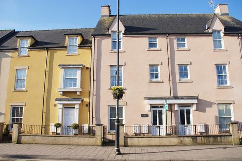 3 bedroom townhouse to rent - 4 Riverside Mews Cowbridge CF71 7NA