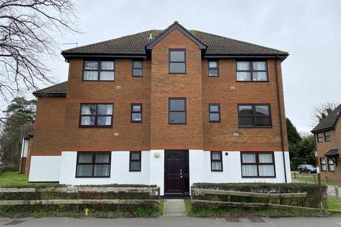 2 bedroom flat to rent - Lumley Court, Brighton Road, Horley, Surrey, RH6