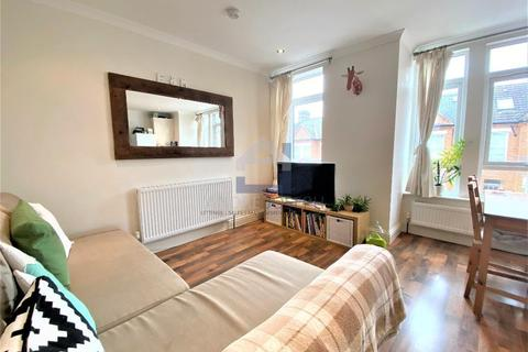 2 bedroom flat to rent - Dagnan Road, Clapham South, London, SW12 9LH