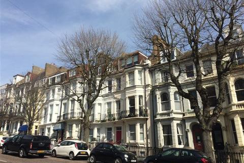 Studio to rent - Upper Rock Gardens, Brighton