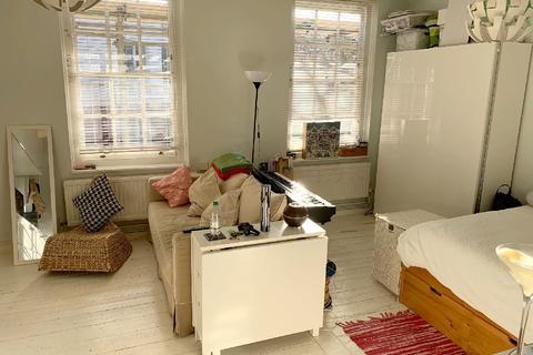 Studio to rent - Portpool Lane, Holborn EC1N