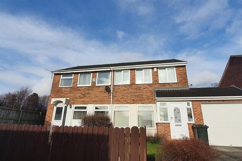 3 bedroom semi-detached house to rent - Craigmillar Close, Newcastle upon Tyne