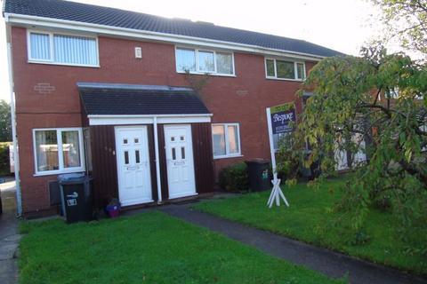 2 bedroom flat to rent - Hythe Avenue, Crewe