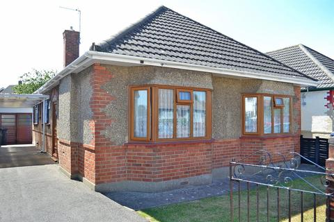 2 bedroom detached bungalow for sale - Bennion Road, Ensbury Park, Bournemouth