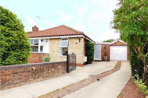3 bedroom detached bungalow to rent - Wharton Road, Stamford Bridge