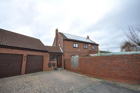 4 bedroom detached house for sale - Fern Court, Riccall, York, YO19 6RS