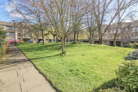 2 bedroom apartment for sale - Low Gosforth Court, Gosforth, Newcastle Upon Tyne