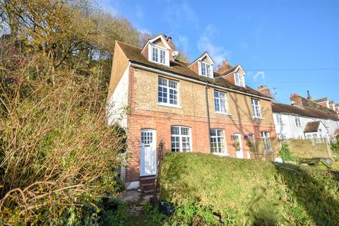 2 bedroom house to rent - Military Road, Rye