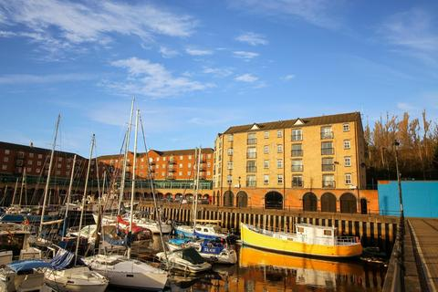 2 bedroom flat for sale - St. Lawrence Road, St Peters Basin. Newcastle Upon Tyne