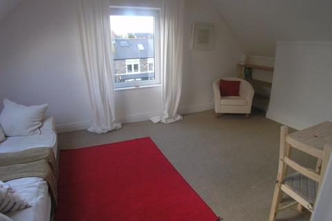 1 bedroom apartment to rent - Stacey Road, Roath, Cardiff.
